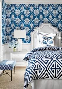 Thibaut Bridgehampton Tanglewood blaues Schlafzimmer - Hoyer & Kast Interiors