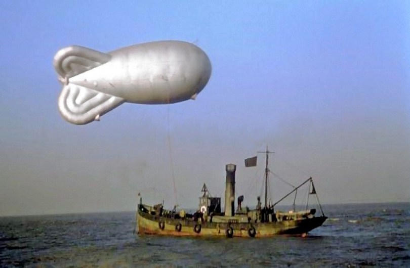 A Mk VI low zone (LZ) trawler-based barrage balloon