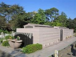 青山霊園 永代供養塔