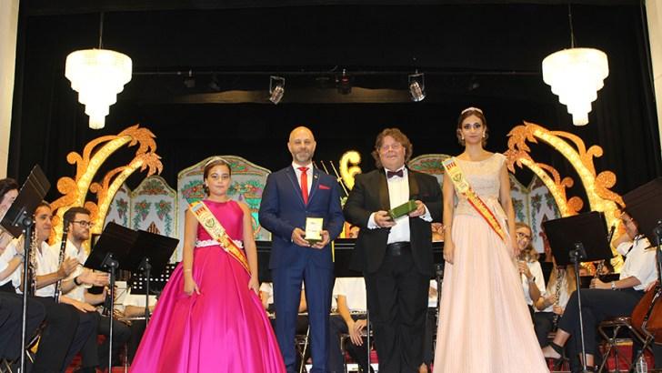 Las imágenes de la presentación de las Reinas y Representante de «La Artística» de Buñol