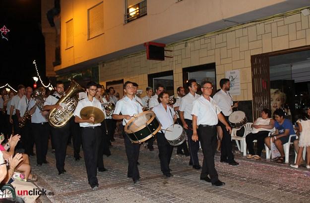 Las imágenes de la Cabalgata y la Batalla de Flores del Día de las Músicas en Buñol