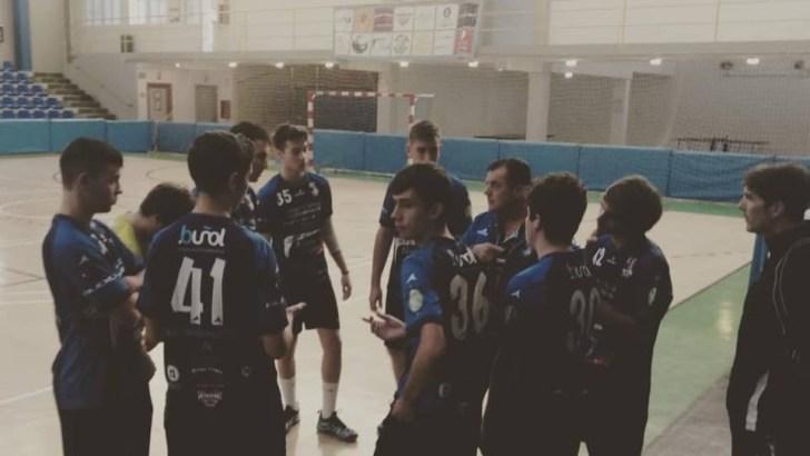El equipo juvenil del Club Balonmano Buñol sigue invicto