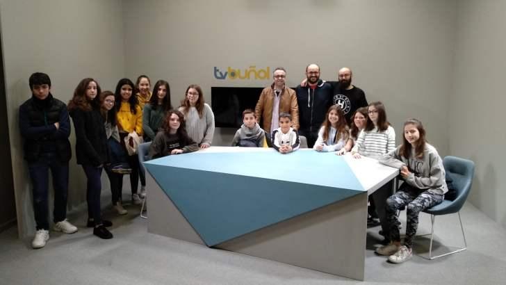 Los alumnos de primer curso de del Conservatorio visitan Radio Buñol