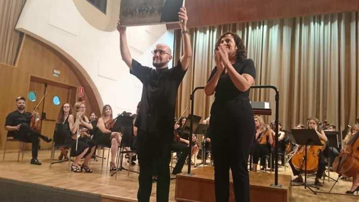 La Orquesta del CIM «La Armónica» de Buñol despide por todo lo alto a su director José Guerrero