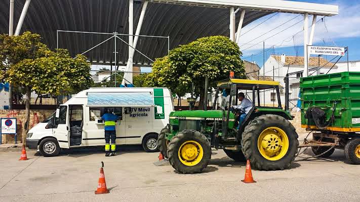 Consulta las fechas de la ITV móvil para vehículos agrícolas en la comarca de La Hoya de Buñol-Chiva
