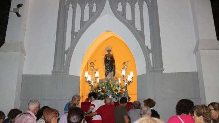 El traslado de San Luis Betrán a su ermita pone punto final a la Feria y Fiestas de Buñol