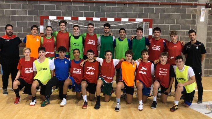 El buñolense Teo Pros logra la primera victoria con la Selección cadete de Balonmano en el Campeonato de España