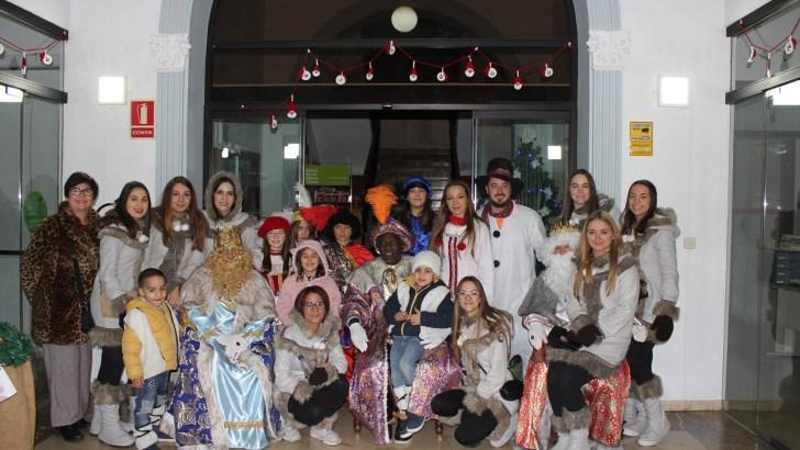 Éxito de participación en la Cabalgata de Reyes Magos en Buñol (imágenes)