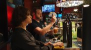 «Soho»: cervezas internacionales, una buena copa y música indie en Buñol