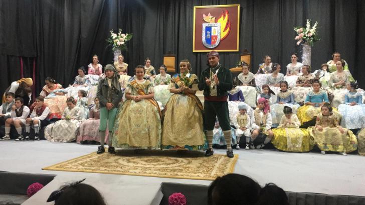 La Falla de Alborache presenta a sus Falleras Mayores y a su Corte de Honor