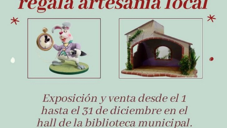 Los artistas falleros buñolenses Emilio Tamarit y Salvador Espert exponen al público todo tipo de productos navideños