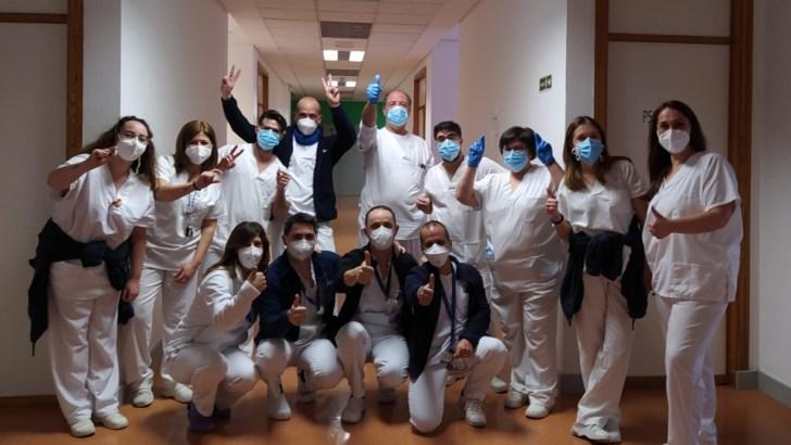 Los residentes y el personal de la Residencia de Buñol reciben la segunda dosis de la vacuna contra la COVID-19