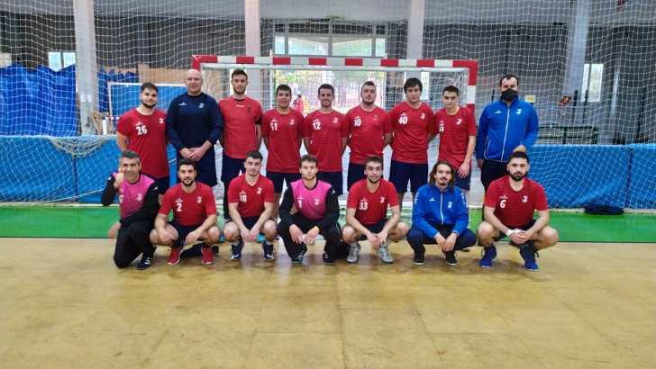 El sénior del Club Balonmano Buñol se coloca líder tras ganar al Oliva (24-35)