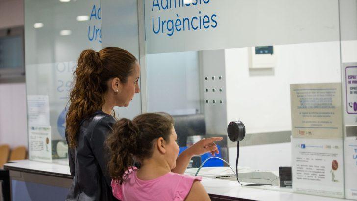 Los pacientes del Hospital de Manises le dan un 'notable alto' a la atención en Urgencias durante la pandemia