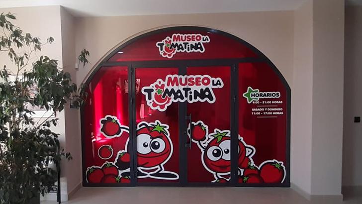 El Museo de la Tomatina de Buñol ofrece una jornada de Puertas Abiertas con novedades para el disfrute familiar de una «Tomatina sin ensuciarse»