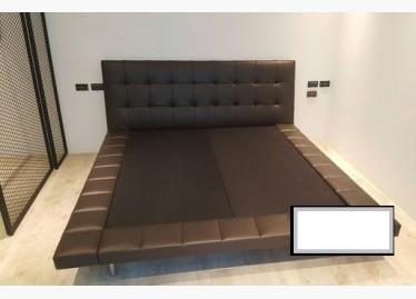 二手雙人床架出售,會生銅綠,實時報價,確保最佳睡眠,北歐風皮質金屬床架 二手廉售 - 591居家/家具