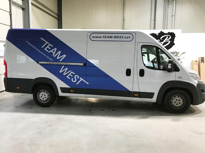 Fahrzeugwerbung Transporter Team West Monheim
