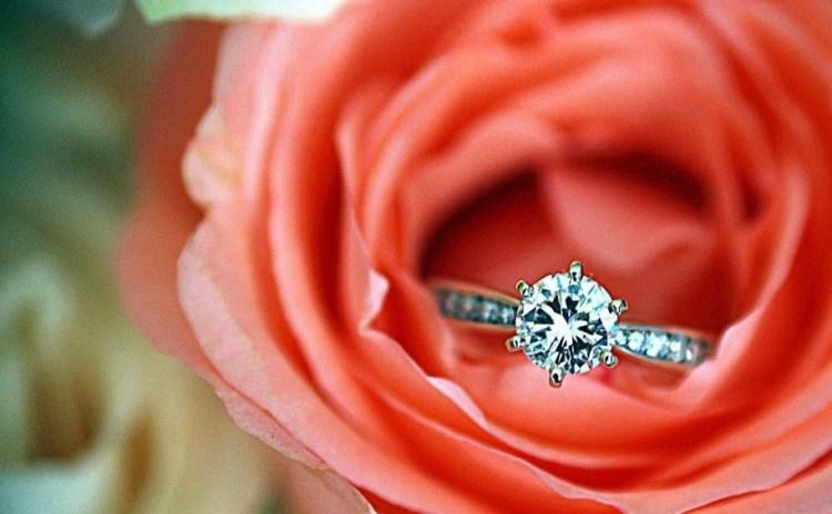 кольцо подарить в розе -оригинально. Фото