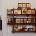Храм Вознесения Господня в деревне Тешилово. Церковная лавка