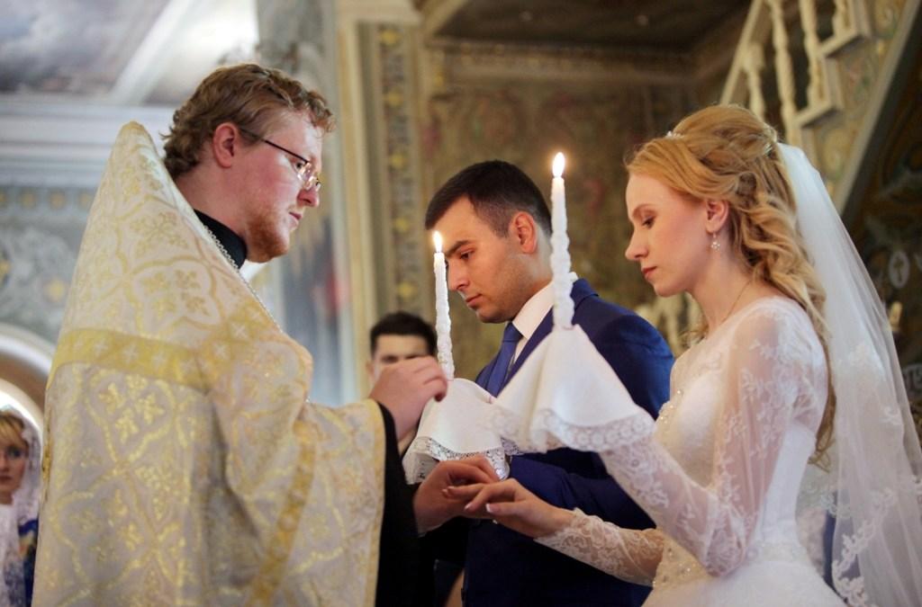 Поздравляем с таинством венчания!