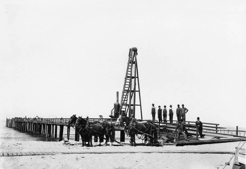 First Pier 1903