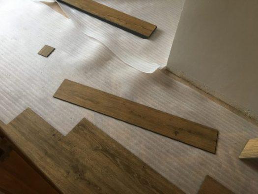 Instalación de suelo de PVC