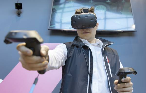 Digitalierung erleben auf der Bildungsmesse, Didacta 2017 mit einer VR-Brille