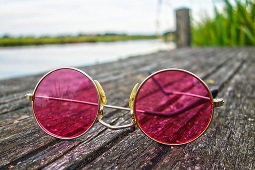 Feel Good-Manager betrachten nicht alles durch die rosa Brille, sondern arbeiten seriös an der Unternehmenskultur