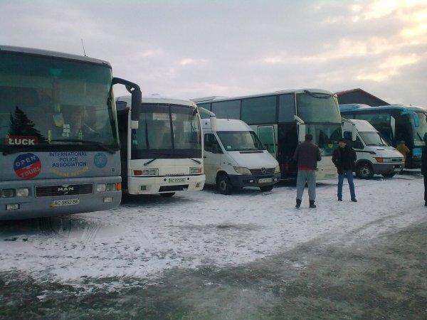 На Волині людей звозили автобусами на зустріч з президентом, — ОПОРА