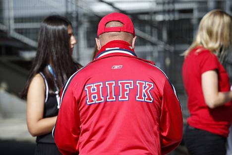 Viewers arrived at the match between HIFK and Honga at a steady pace, and no congestion arose.