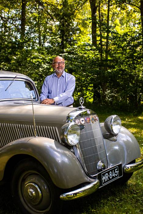 Ilkka Brotherus has lived in Erkylä Manor for 40 years.  However, he assures that he enjoyed his wife's inheritance farm perfectly.