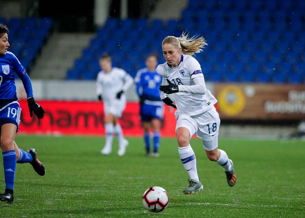 Linda Sällström has played 109 A-goals and scored 48 goals.  He is the best Finnish goal scorer of all time in the A national football teams.