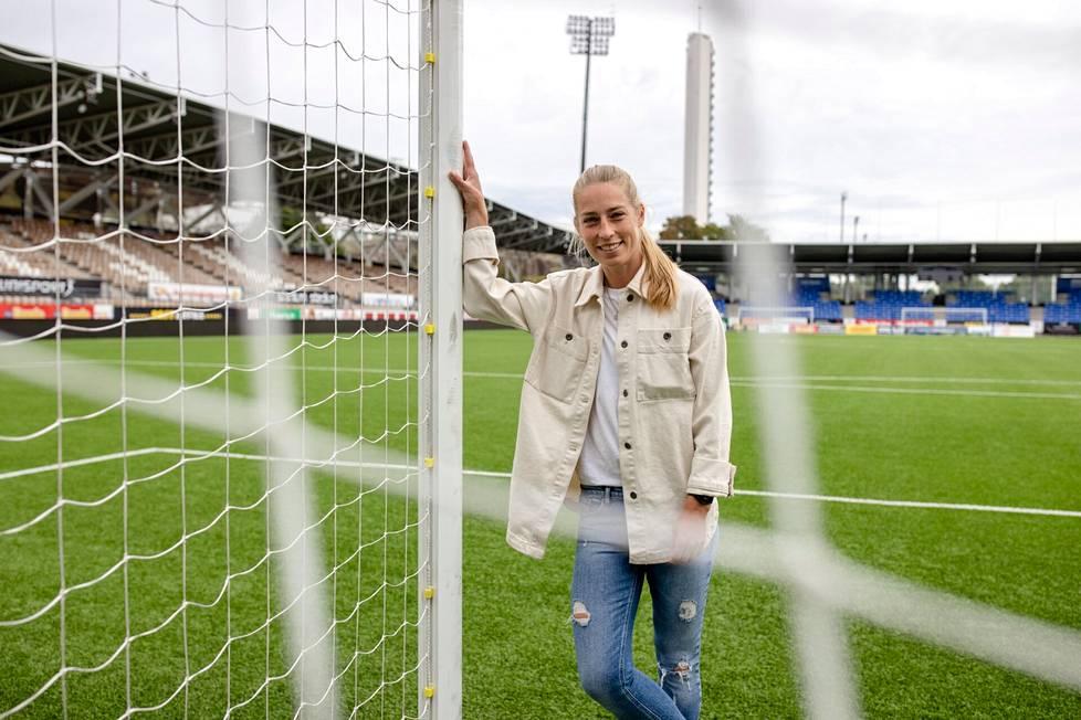 Linda Sällström enjoys Finland and HJK.