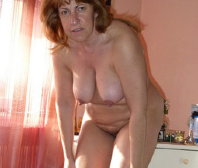 Totally Naked Mature Women With Great