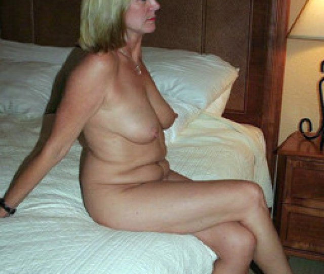 Nude Tanned Moms Photos From The Resort