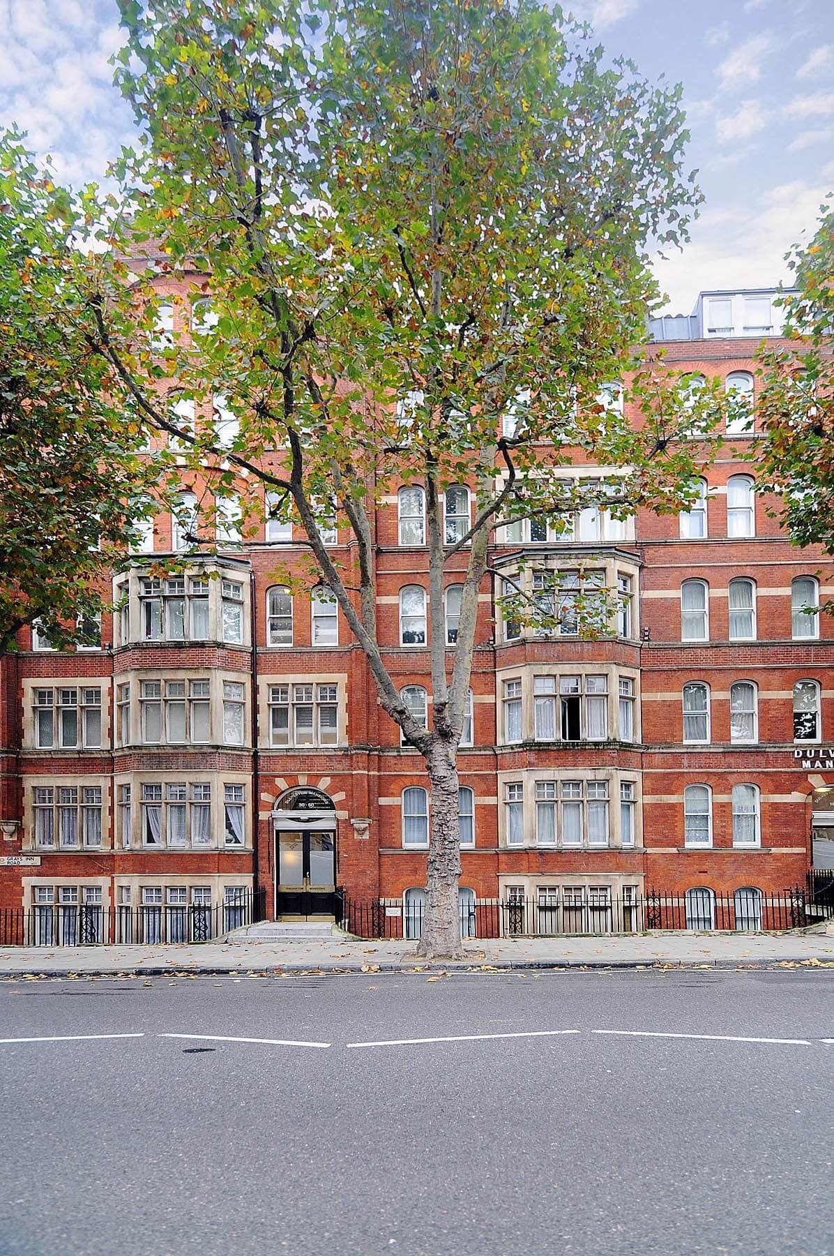 Lovely 1 Bedroom Top Floor Flat, Dulverton Mansions, WC1