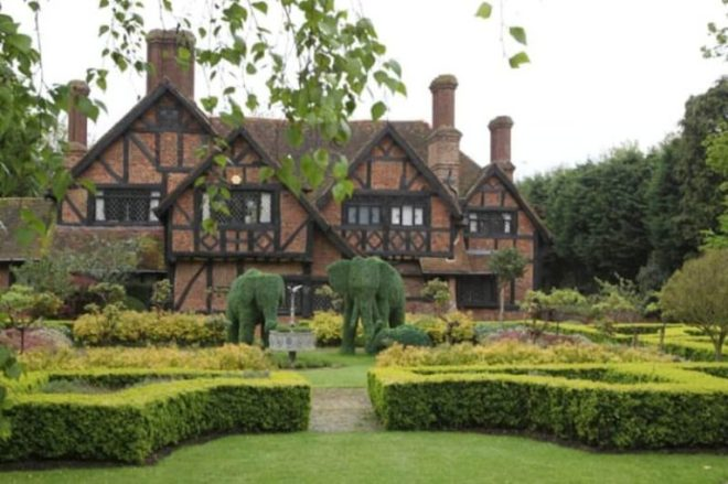 Top 10 UK Celebrity homes for 2014