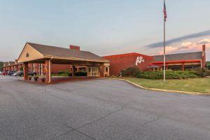 Cartersville hotel for sale1