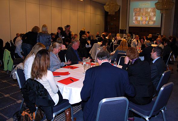 Interesserte tilhørere på Servicekonferansen 2009.