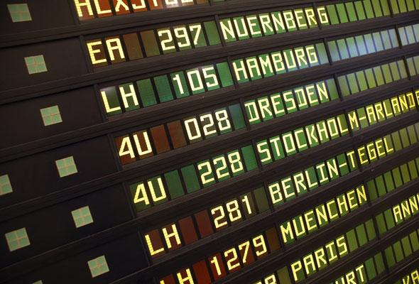 Infotavle på europeisk flyplass