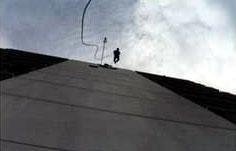 Rapellering ned Oslo Plazas fasade