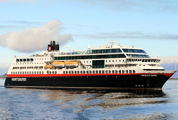"M/S ""Trollfjord"". Fotograf: Heidi Knutsen/Hurtigruten ASA"