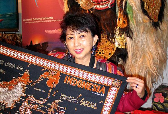 Wening Esthyprdbo, Indonesias konsul, på Reiseliv 2012 (foto fra Norges Varemesse)