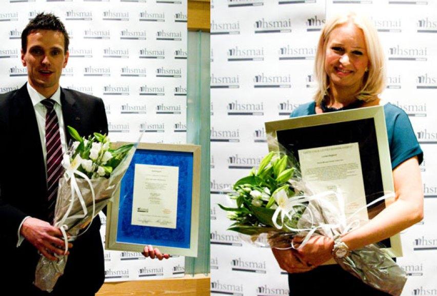 Kjetil Engum og Lovisa Hegborn, som henholdsvis ble kåret til fjorårets Unge Hotèlier og Unge Leder i reisebransjen.