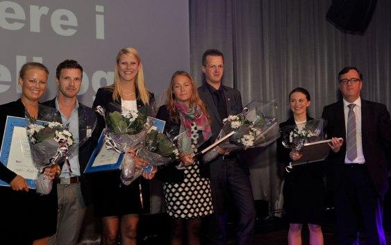 Juryleder Morten Thorvaldsen (til høyre), sammen med unge leder-kadidatene.