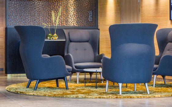 Det nye interiøret i Radisson Blu Hotel i Tromsø, bidrar til å gi hotellet en avslappet atmosfære. Foto fra Rezidor Hotel Group.