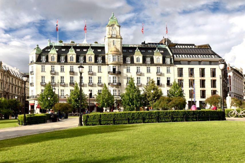 Grand Hotel by Scandic i Oslo, sett fra Eidsvolls plass. Foto fra Grand Hotel by Scandic.