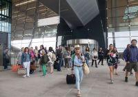 Færre fly, men flere passasjerer i 2018