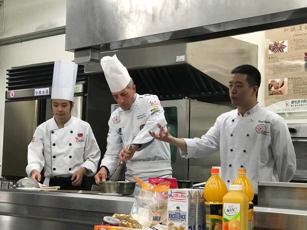 HTMi Taiwan alumni help Chef Andy Demo