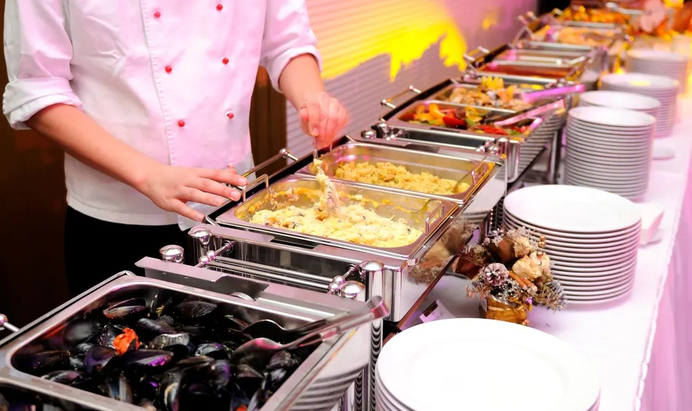 Hiring The Best Catering Services For Making Party Successful